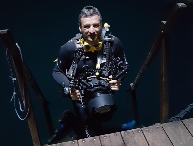 O mergulho no Abismo Anhumas sob o olhar de um mergulhador profissional