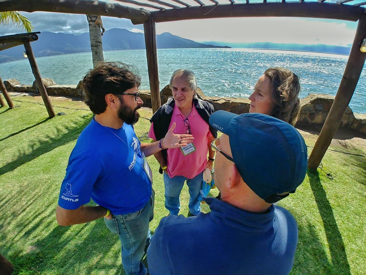 O que tem sido feito para fortalecer o ecoturismo no Brasil?